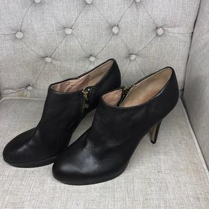 vince camuto women's New  Size 10 Ankle Bpootie